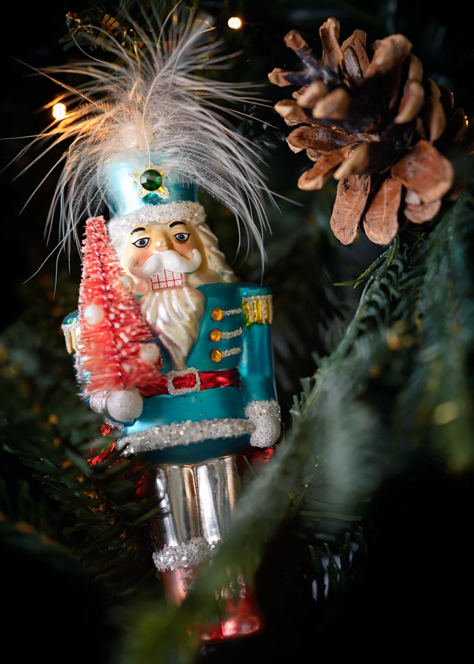 Kerstbal nutcracker doll tin